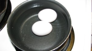 Boiling the eggs for the egg mold